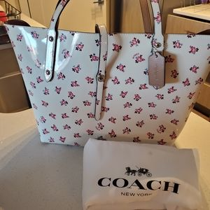 COACH FLORAL BLOOM MARKET TOTE
